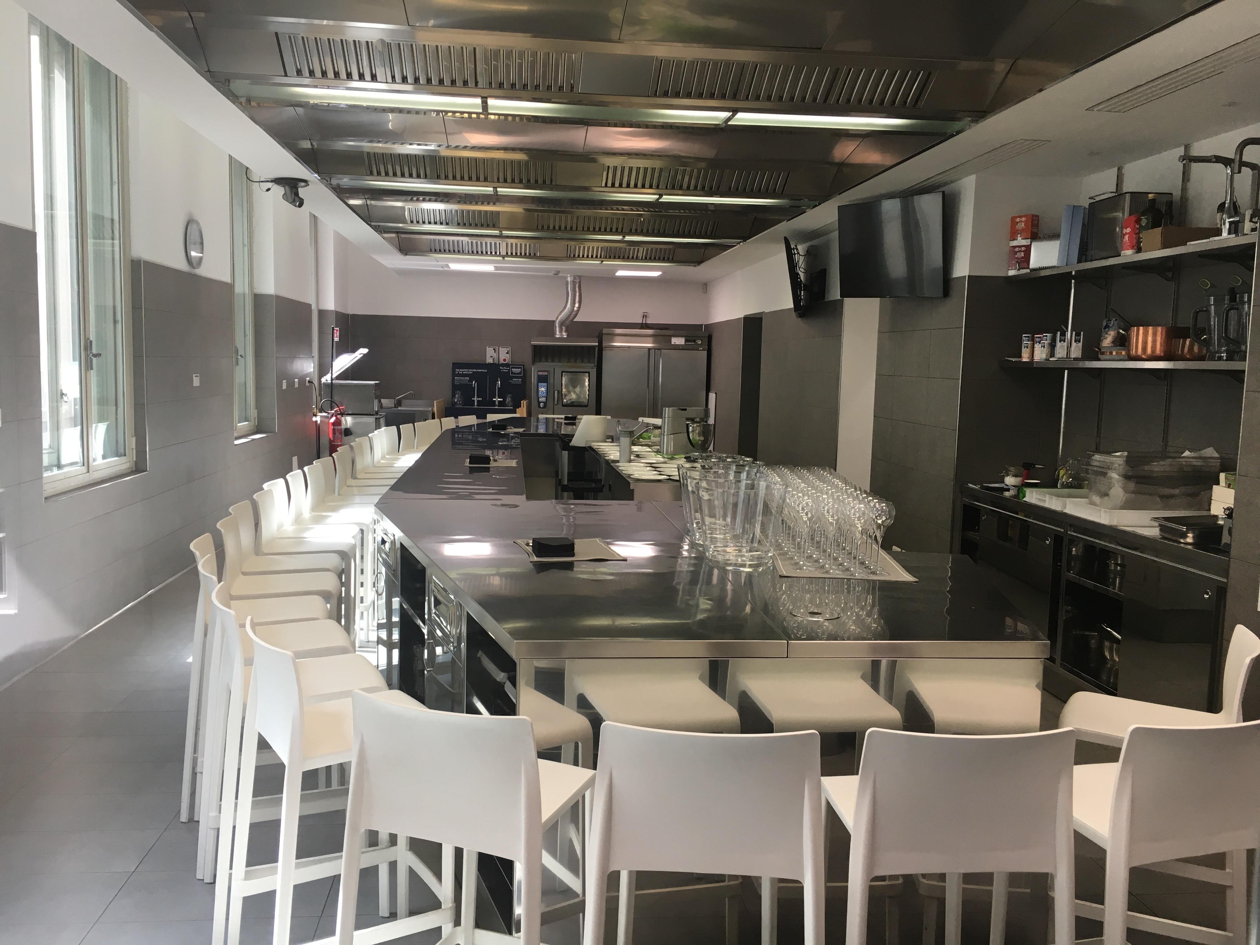 le bollicine di bisol alla scuola de la cucina italiana cucina svago. Black Bedroom Furniture Sets. Home Design Ideas